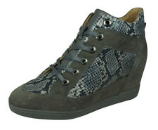 Geox D Carum C Womens Leather Wedge Trainer-Boots Snakeskin Pattern Shoes Grey