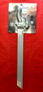 OFFICIAL FUNIMATION ATTACK ON TITAN ROLEPLAY PLASTIC SWORD - NEW - THINKGEEK UK