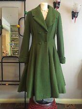 Donna Vintage 1940s/50s Stile Fit e flare lusinghiero Lana CAPPOTTO in Verde Oliva