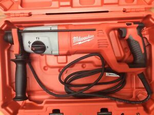 Milwaukee 8 Amp Corded 1 in. 5262-21 SDS + D-Handle Rotary Hammer (49345)