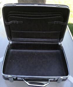 Vtg SUITCASE Escort American Tourister Briefcase Attache Luggage Black 18x12x5