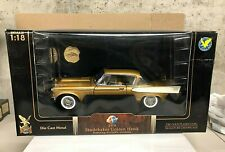 1:18 YATMING 1958 STUDEBAKER GOLDEN HAWK W/GOLD COIN RARE GOLD COLOR      3677