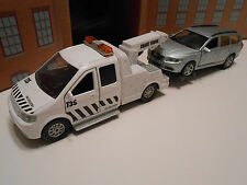 RECOVERY BREAKDOWN TRUCK & SILVER VOLVO V70 1/32 scale TOY CAR SET NEW BOXED!