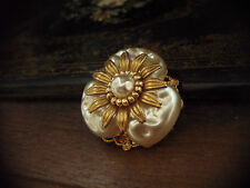 Vintage Clover Shape Baroque Pearl Brooch with Gold Flower. Miriam Haskell Style