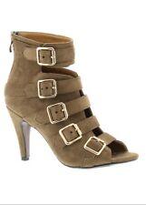 Beacon Strappy Women's heel olive 9.5 wide
