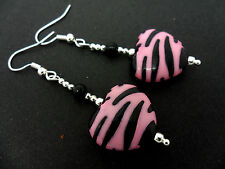 A PAIR OF DANGLY BLACK & PINK ZEBRA PRINT HEART DANGLY EARRINGS. NEW.
