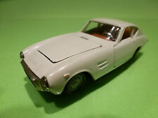 POLITOYS 1:43   FIAT 1500 GT GHIA  528  - RARE COLOR  - IN NEAR MINT  CONDITION
