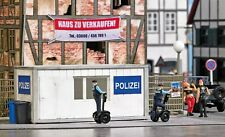NEW BUSCH 7868 HO / OO Action Set: Police Station with Segways