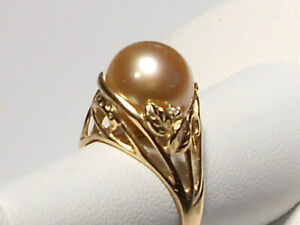 10.5mm golden South Sea pearl ring, diamond, solid 14k yellow gold.