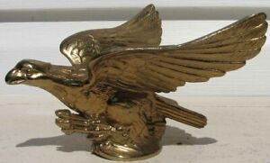 NOS GOLD FLYING EAGLE HOOD ORNAMENT MASCOT VERY NICE G897