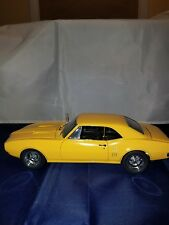 1:18 SCALE 1967 PONTIAC FIREBIRD 400 YELLOW BY EXACT DETAIL CAR CRAFT MAGAZINE