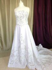 Robe de mariée bustier traine satin brodée blanche Taille FR38 US6 UK10 EUR36