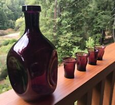 """Cambridge Amethyst """"Pinch"""" Decanter and 4 matching """"pinch"""" shot glasses"""