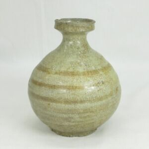 B715: Real old Joseon porcelain ware vase or bottle with wonderful atmosphere