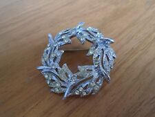 Leaves Brooch White Stoned