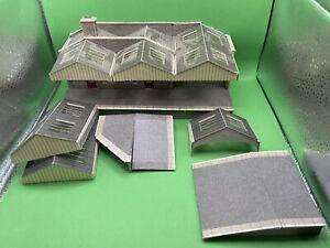 Joblot Of Oo Gauge Metcalfe Station Buildings Assembled Kits For Model Railway