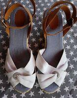 TOMMY HILFIGER Wedges Sandale Schuhe Keilabsatz 37 38 weiß