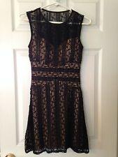 Home Coming oder formalen Kleid Größe Jr 3/4 von B. SMART schwarz Spitze in Nude gefüttert