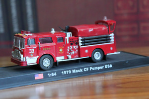 1:64 Scale 1979 Mack CF Pumper USA Fire Truck Alloy Model Car Gifts Collection