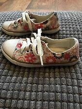 Beige Floral Girls Pampili Trainers. EU Size 25, UK 7. Wide Feet.