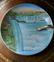 NIAGRA FALLS Collector souvenir plate with gold trim, made in Japan
