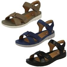 Clarks Women's Strappy Flat Sandals & Beach Shoes