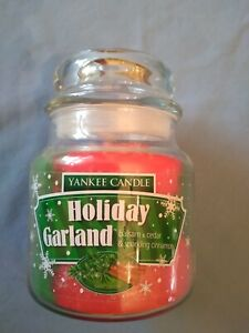 Yankee 12 Ounce Jar Candle Christmas Holiday Garland Red Green Balsam Cedar New
