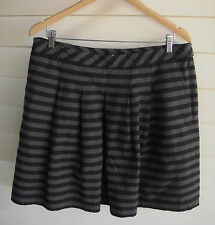 Gap Women's Grey Striped Skirt with Pockets - Size 10
