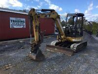 2004 Caterpillar 304CR Mini Excavator w/ Hydraulic Thumb!