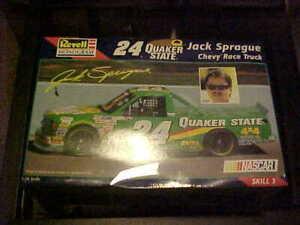 REVELL-MONOGRAM----QUAKER STATE CHEVY RACE TRUCK