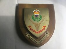 More details for vintage brass metallic british army queen's own highlanders plaque shield
