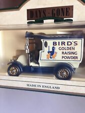 LLEDO DG85006 1912 RENAULT VAN BIRDS