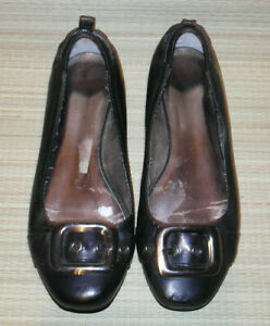CLARKS  WOMENS BLACK SLIP ON LEATHER FLAT SHOES SIZE:6/39 (WS57)