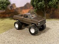 1970 Ford F-100 4x4 Lifted Custom 1/64 Diecast Truck Farm Off Road 4WD Mud