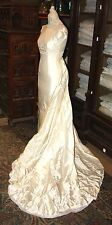 DRESS VOVIA PRONOVIAS. SILK COLOR CHAMPAGNE. SPAIN. TWENTIETH CENTURY.