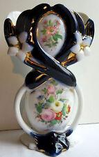 Vase porcelaine de Bayeux Valentine, Lis entrecroisés et Bouquet de roses