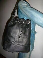 Assez grand sac Zara Woman  forme seau bandoulière cuir véritable noir A4