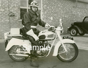"PRESTON LANCASHIRE; MOTORCYCLE POLICE 1959 TRIUMPH BIKE RARE PHOTO 10"" x 8"""