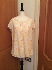 NEW.   DOROTHY PERKINS.    SHORT SLEEVE TOP.   SIZE 14.  YELLOW AND WHITE FLORAL