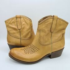 Women's Naya Leather Western Boot Size 12M Camel