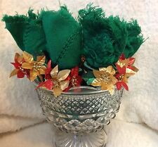 Christmas Napkins and Ring Holders in Glass Vase