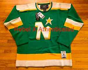 NEW VINTAGE MINNESOTA NORTH STARS ROGER EDWARDS (REEBOK) JERSEY / SWEATER SIZE L