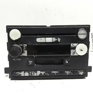 05 2005 Ford Freestar AM FM CD cassette radio receiver OEM 5F2T-18C868-AA peelin