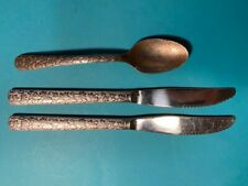 SET 2 DINNER KNIVES! Vintage WORLD TABLEWARE stainless WOF11 IVY pattern EX