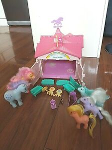Vintage 1983 My Little Pony Show Stable Playset Accessories Ponies Blue Belle