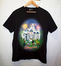 Disneyland Hong Kong Black T-shirt Size L Unisex