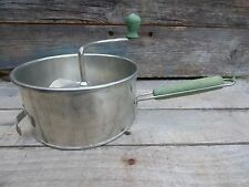 ANT FLOUR SIFTER W WOODEN HANDLE/ VTG METAL SIFTER W GREEN WOODEN KNOBS/BAKING