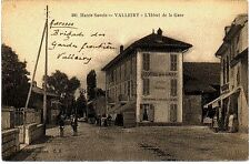 (S-52170) FRANCE - 74 - VALLEIRY CPA VUE D ENSEMBLE EXTERIEURE - PETITE ANIMATIO