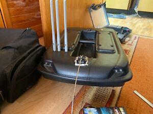 Carp Madness XXL Futterboot mit Deeper Pro Plus + Repeater 300m+ Baitboat