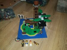 LEGO Pirates Forbidden Island (6270)